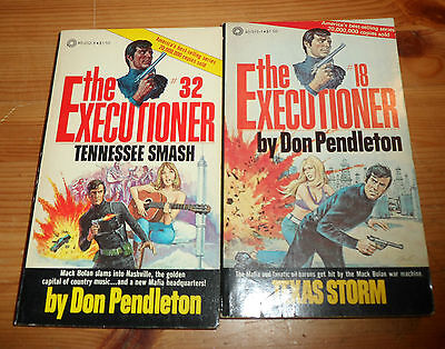 2x Paperback Books THE EXECUTIONER #18 1979 4th , #32 1978 1st Printing Pinnacle