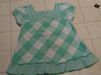"""Pumpkin patch. Girls green top, with button up back .  Age 4.. 106cm/ 42"""""""