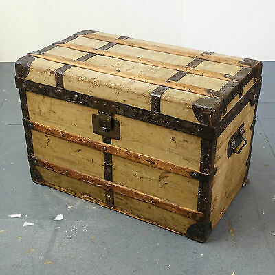 Charming MOYNAT Antique French 'Steamer' Travel Trunk. Victorian - Edwardian Vtg