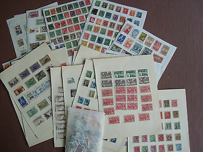 Canada, Large Collection Stamps, 825 + Mint & Used On Leaves + Loose, Etc