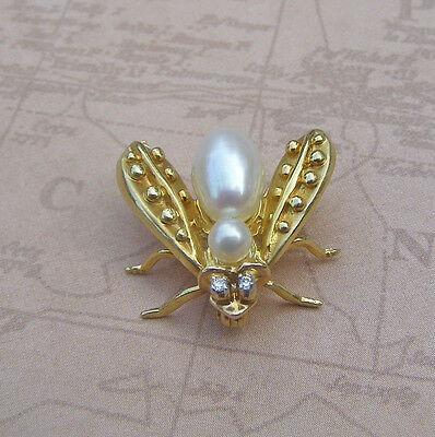 14K Yellow Gold Flying Insect Fly Pearl Body pin Brooch
