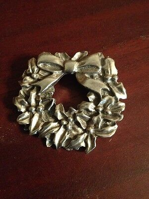Vintage Christmas Wreath Pin Brooch Pewter
