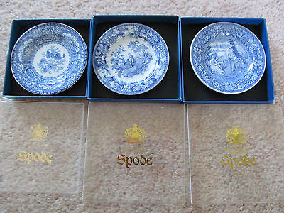 Spode small plates blue and white