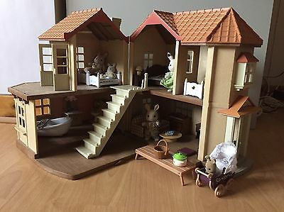 Sylvanian Families House With Figures And Accessories