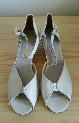 Open toe  shoes _ Ivory