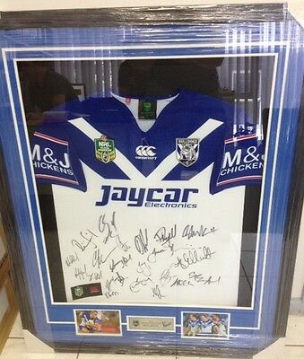 2016 signed Bulldogs framed jersey with pictures