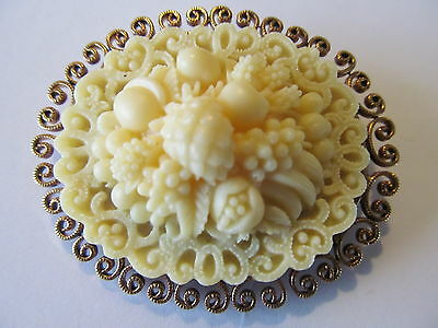 ART DECO's LARGE CREAMY CARVED FRUITS MOTIF w/GOLD TRIMS CELLULOID BROOCH PIN