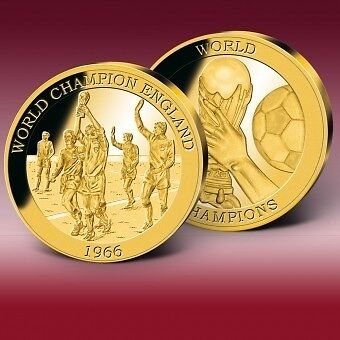 1966 World Champions – England' Commeeemorative Gold Striker exclusive gold coin