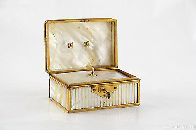 PERLMUTT KASETTE um 1800 - MOTHER OF PEARL BOX around 1800s