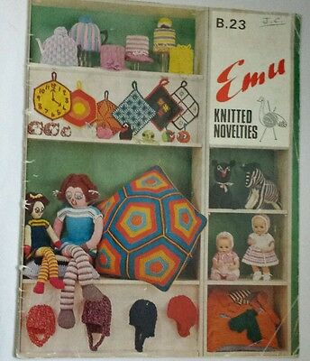 Dolls and novelty knitting pattern booklet