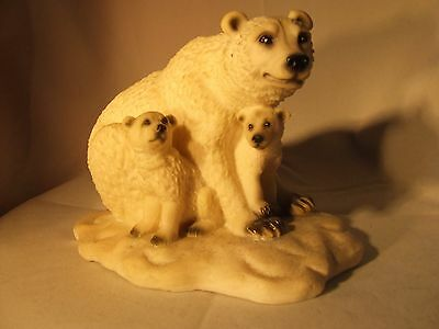 Polar Bear and cubs resin figurine in ex cond.