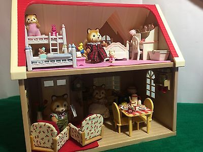 Sylvanian Families RED PANDA FAMILY, ORCHARD COTTAGE FULLY FURNISHED, CUTE!