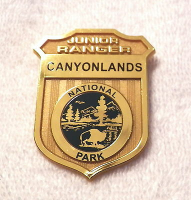 CANYONLANDS National Park (UT) JUNIOR RANGER Plastic Novelty Badge  (B42)