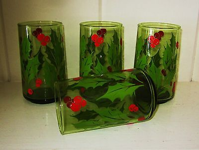 Vintage Set of 4 Anchor Hocking Christmas Holly Wreath 12 oz Green Glasses