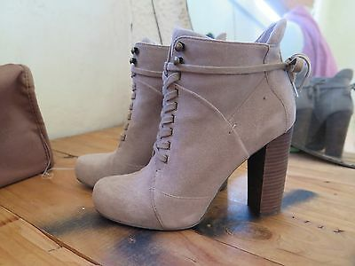 NINE WEST suede ankle boot SIZE 7