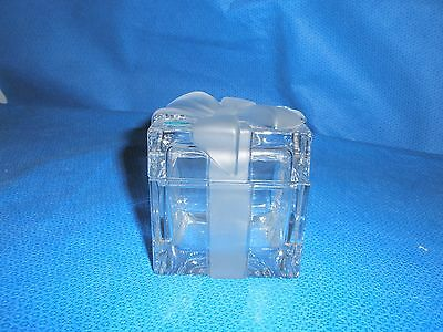 Tiffany Glass Gift Box w Frosted Bow