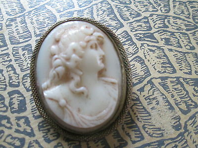 "Antique porselain Cameo brooch and gold tone""Lady"""