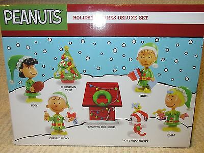Peanuts Charlie Brown Christmas Holiday Figures Deluxe Set 2015 NEW