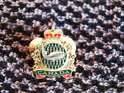Fisheries and Oceans Canada Collector Pin  (P67)