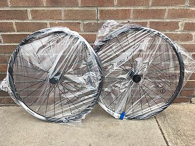Shimano WH-RX05 Road Disc Wheelset