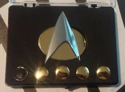 BAM! Box EXCLUSIVE Star Trek The Next Generation Badge & Rank Boxed Pin Set