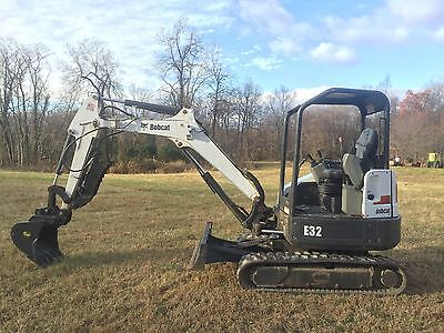 2012 Bobcat E32 Mini Excavator Hyd Thumb. Very Clean!!  Low Cost Shipping Rates