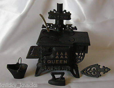 REDUCED $ Mini QUEEN Vintage Black Cast Iron Stove & Acces Salesman / Sample Toy