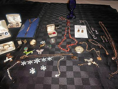 Deceased lot of men's and womans mainly costume jewellery