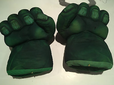 The Incredible Hulk Smash Fists Gloves - With Sounds - Marvel W