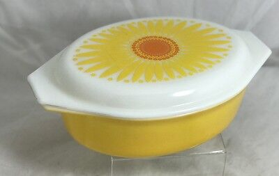 Vintage Pyrex BRIGHT YELLOW Daisy 045 Casserole Oval Casserole With Lid 1957