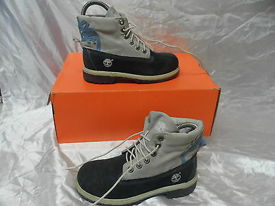 timberland boots nvy blue size  1 uk / 33 eur .