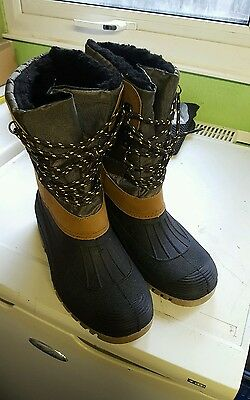 Fishing Thermal  Boot Size 8 Dirt Hunting