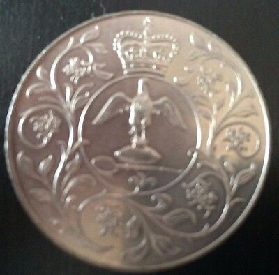 GB - 1977 QEII Silver Jubilee - Crown Coin Queen Elizabeth is riding side saddle