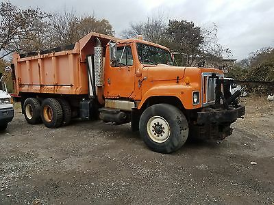 1997 International 2554 Tandem Axle Dump With Plow And Salt Spreader. Low Miles!