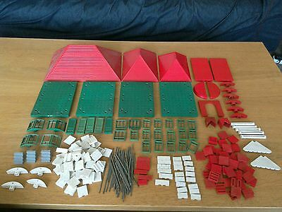 Job lot of vintage bayko building pieces: Roofs, Boors, Windows, Bases etc