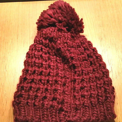 VGC womens warm stylish maroon chunky knit winter bobble hat  ski snow UNBRANDED