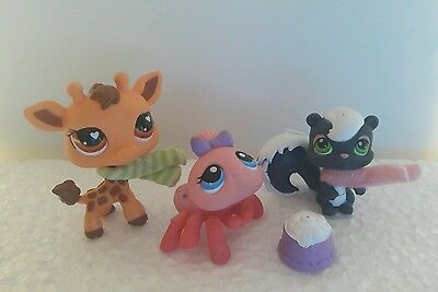 Little Pet Shop Figures Spider Skunk Giraffe with accessories