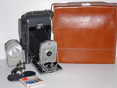 Polaroid Land Camera Model 150 W/leather Case & Winklight Flash