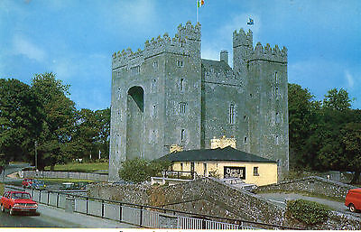 postcard Ireland  Bunratty Castle Co Clare  posted