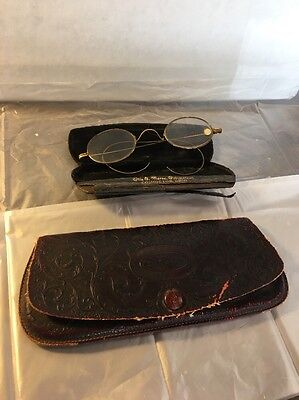 vintage Round Eyeglasses With inner and outer cases