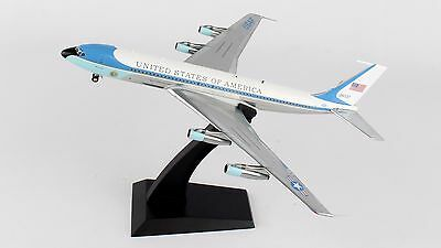 InFlight 200 1:200 USAF Boeing B707-300 (VC-137C) 'Air Force One' 26000
