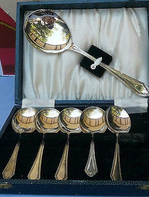 Vintage Cased set of six Soup Spoons - England