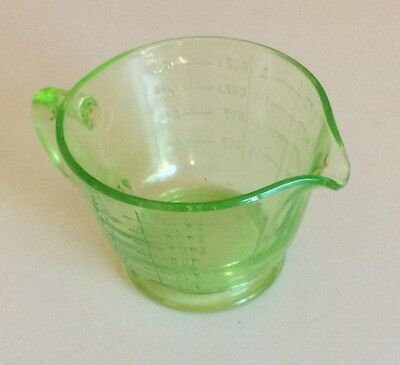 Vintage 1930's Collectable Green Depression Glass One Pint Measuring Jug