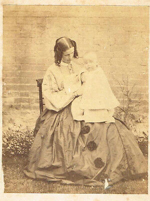 Antique Photograph Victorian Young Mother & Baby Vintage Fashion 1860S  (519)