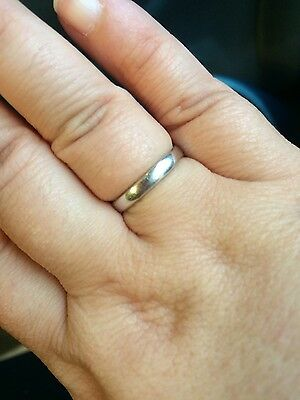 18CT White Gold Wedding Band -Size M Ladies -  Good Condition