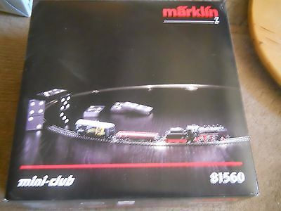 Marklin Mini-Club 81560 Starter Set  Steam Locomotive BR024 5pole + 2 car