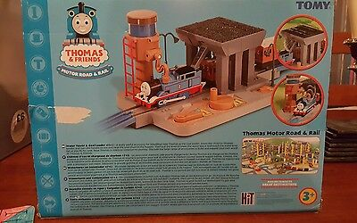 Thomas and Friends Water Tower and Coal Loader
