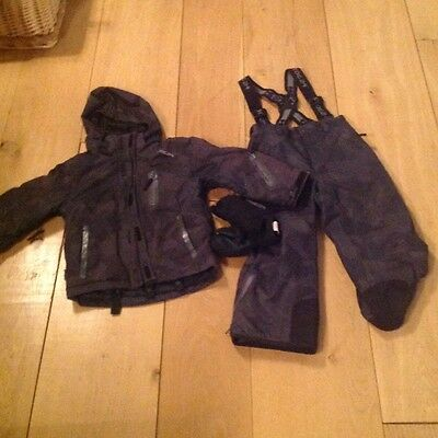 Boys ski jacket & trousers & gloves age 3-4 years by Tog 24