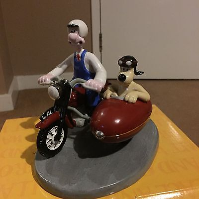 Coalport Wallace and Gromit- Hold on Gromit  -LIMITED EDITION - 1571 /2000