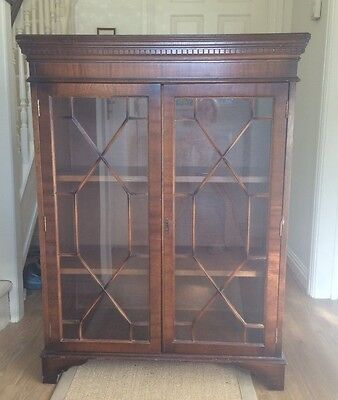 Mahogany Victorian Glass Fronted Book Case/Cabinet